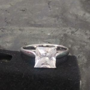 10k White Gold Ring with Cubic Zirconia Stone